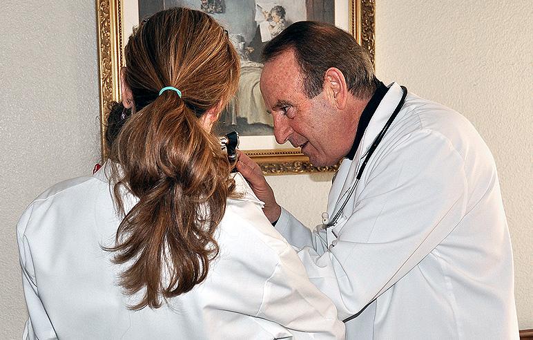 Dr. Tomás Gómez Sanz